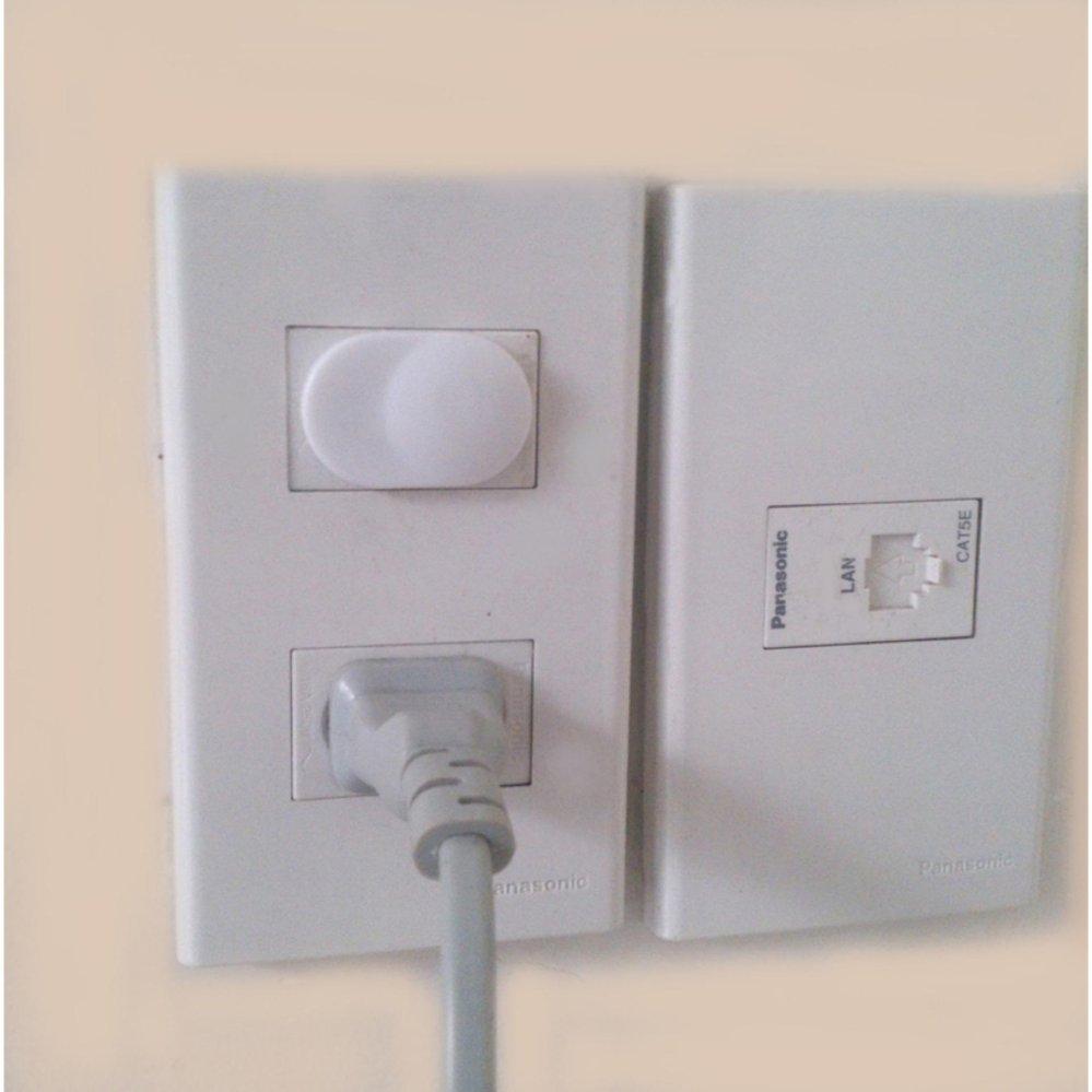 Bộ 2 lưới bọc quạt tặng 10 bịt ổ điện bảo vệ an toàn cho trẻ nhỏ