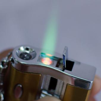 Bật lửa khò đa năng kiêm soi tiền giả và đèn pin F536 (xám)