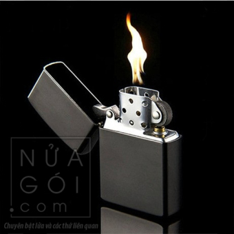 Bật lửa xăng cổ điển kèm box F571 (đen trơn)