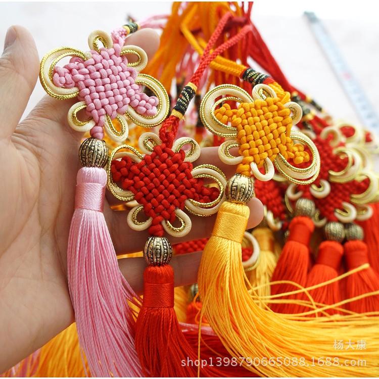 Hình ảnh Tua rua trang trí - dây treo kim tuyến - đồng tâm đính áo dài trang trí, cam kết sản phẩm đúng với mô tả, đảm bảo chất lựơng sản phẩm và an toàn cho sức khỏe người sử dụng