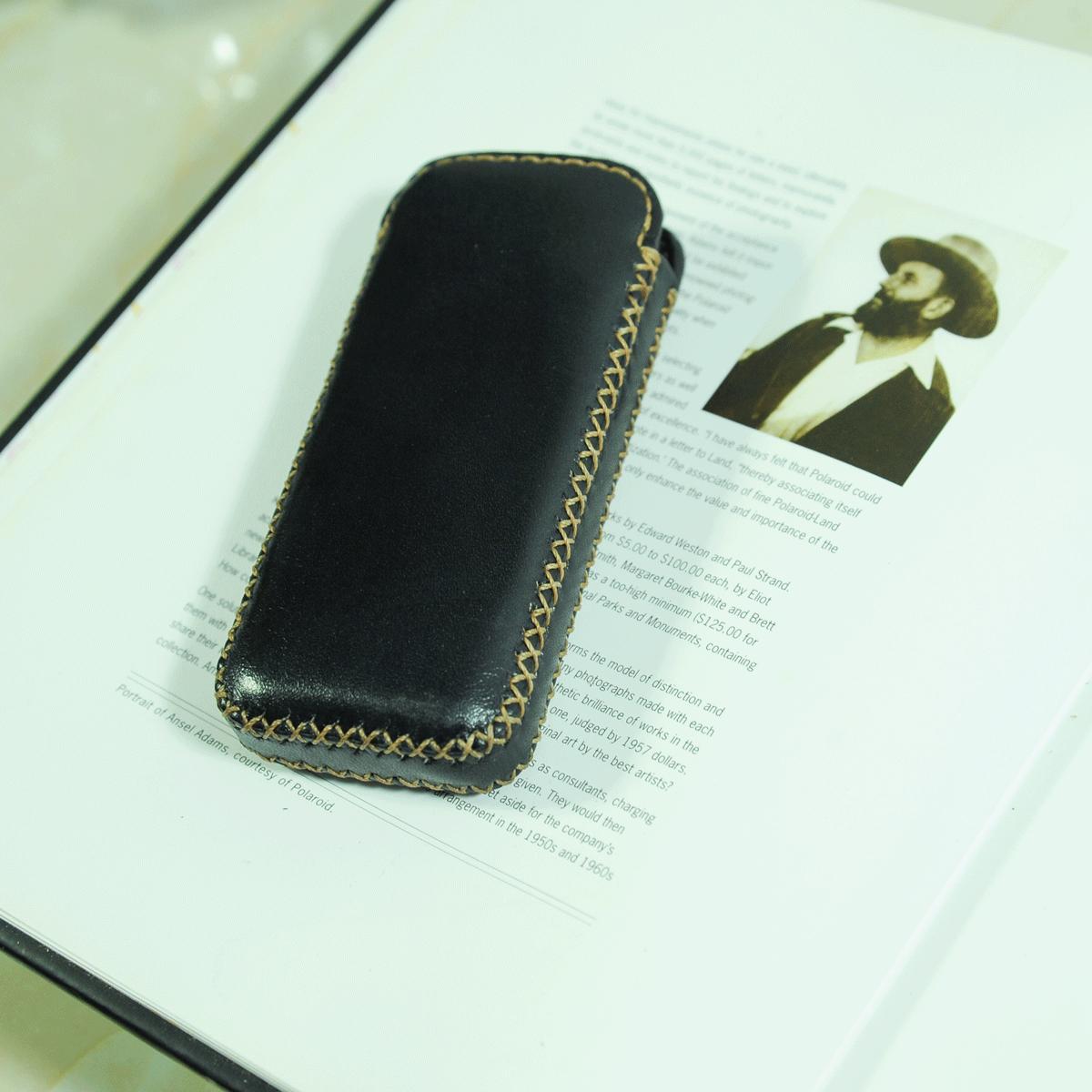 Bao da hộp handmade cho điện thoại Nokia 8800 và Nokia 6700 màu đen - Đồ da thủ công DT036