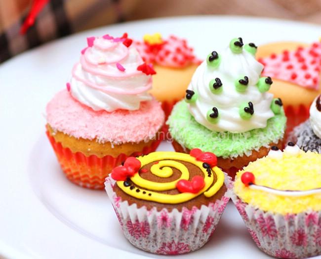 Bộ bộ dụng cụ làm bánh cupcake HT6140