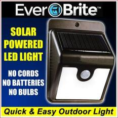 Đèn cảm biến treo tường năng lượng mặt trời 4 LED - L2E
