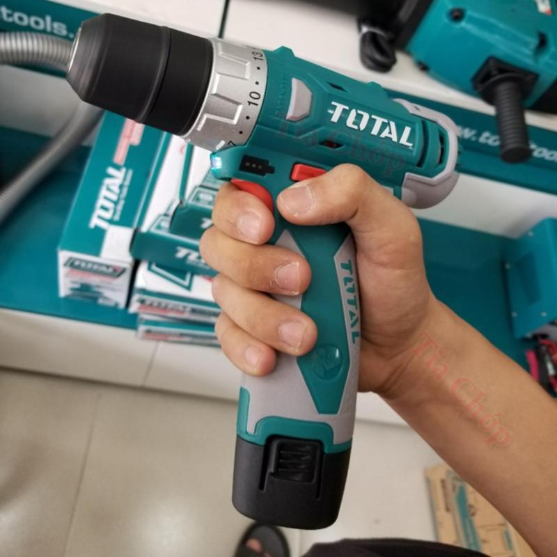 Máy khoan pin Total 12v Có kèm theo 2 mũi khoan Cr-V 50 mm