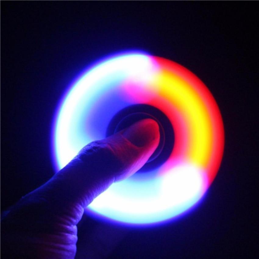 Hình ảnh Con Quay Giải Trí 3 cánh Spinner có đèn Led