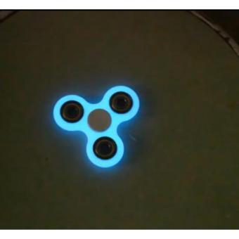 con quay giảm stress 3 cánh fidget spinner dạ quang cao cấp