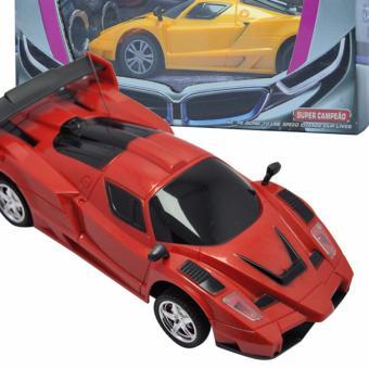 Xe ô tô đồ chơi điều khiển từ xa 4 chiều.