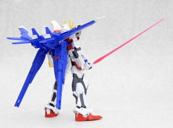 Mô hình lắp ráp BANDAI High Grade Build Fighters Build Strike Gundam Full Package
