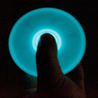 Con quay 3 cánh dạ quang xanh Fidget Hand Spinner
