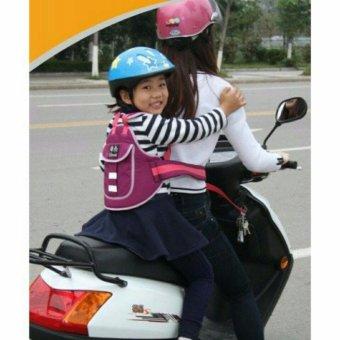 Đai đi xe máy an toàn cho bé