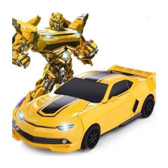 Xe ô tô biến hình thành Robot siêu anh hùng có nhạc
