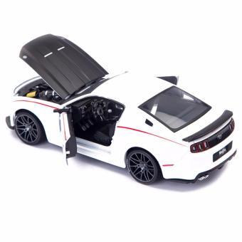 Ô tô mô hình New Ford Mustang Street RacerMaisto tỷ lệ 1:24