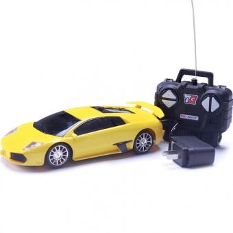 Xe ô tô Ferrari điều khiển từ xa cho bé (Vàng)