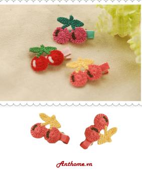 Bộ 2 kẹp tóc handmade bằng len cho bé gái hình cherry hồng KTEAH36-sl2