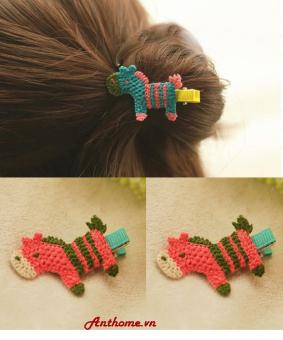 Bộ 2 kẹp tóc handmade bằng len cho bé gái hình con ngựa KTEAH25-sl2