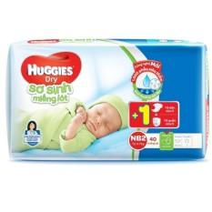 Miếng lót sơ sinh Huggies Newborn 2 N40 (4-7kg) 40 miếng + Tặng 1 tã dán và 1 tã quần sơ sinh