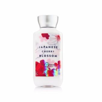 Dưỡng thể Bath & Body Works Japanese Cherry Blossom 236ml