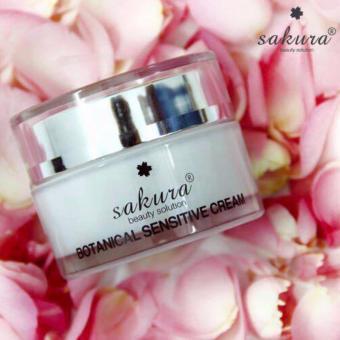 Kem dưỡng đặc trị cho da nhạy cảm Sakura Botanical Sensitive Cream 30g (Trắng)