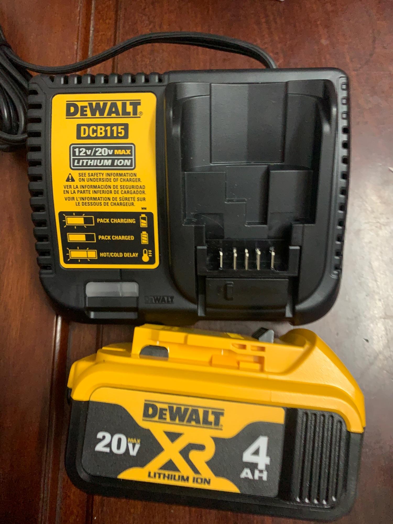 [HCM]Pin Dewalt 20v  sạc Dewalt 120v