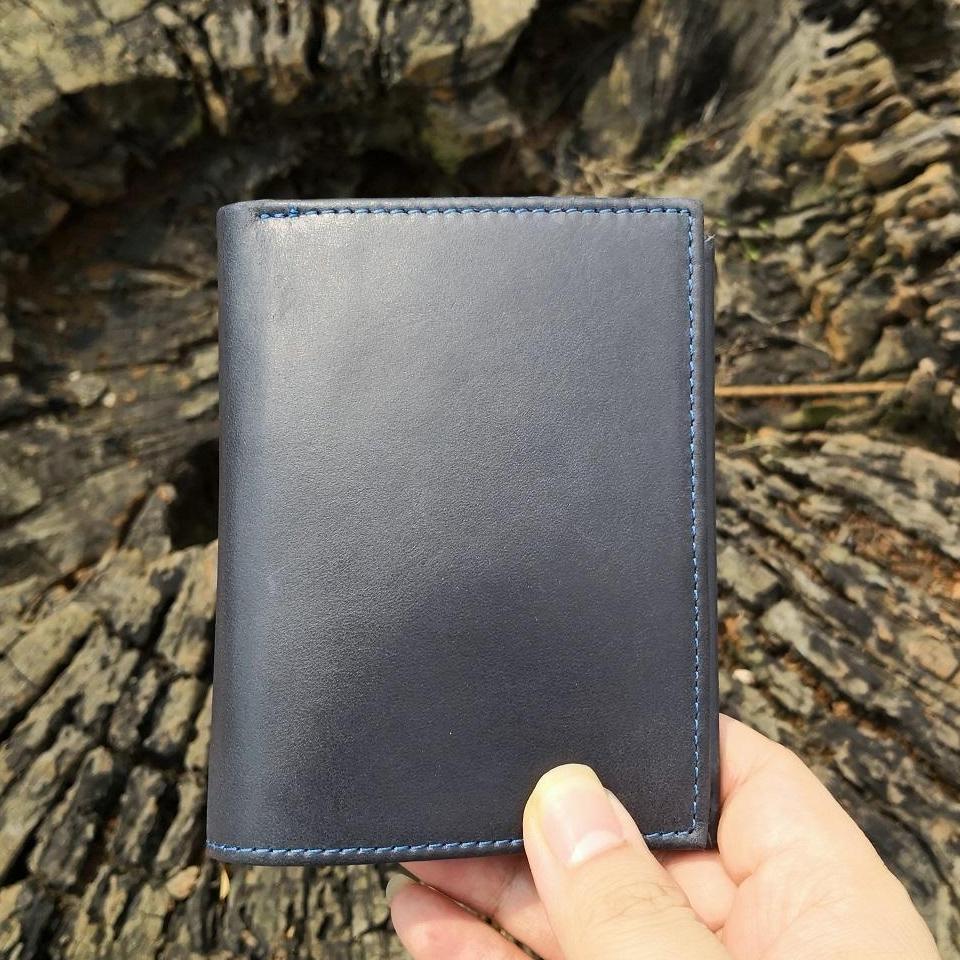 Ví da nam da bò mẫu ví đứng cao cấp dáng nhỏ gọn chất da sáp mầu xanh đen cực đẹp kích thước 11,8*9 cm thatchatstore VC9 ví thời trang phong cách hiện đại mẫu 2019 - ví dành cho giấy tờ kiểu mới