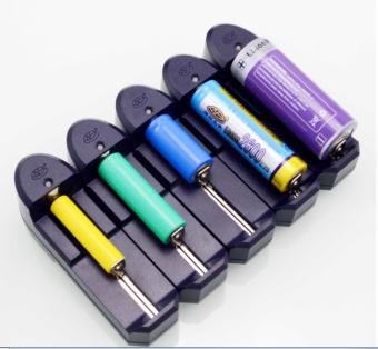 Dụng cụ sạc pin tiểu đa năng dành cho xe đạp (Đen).