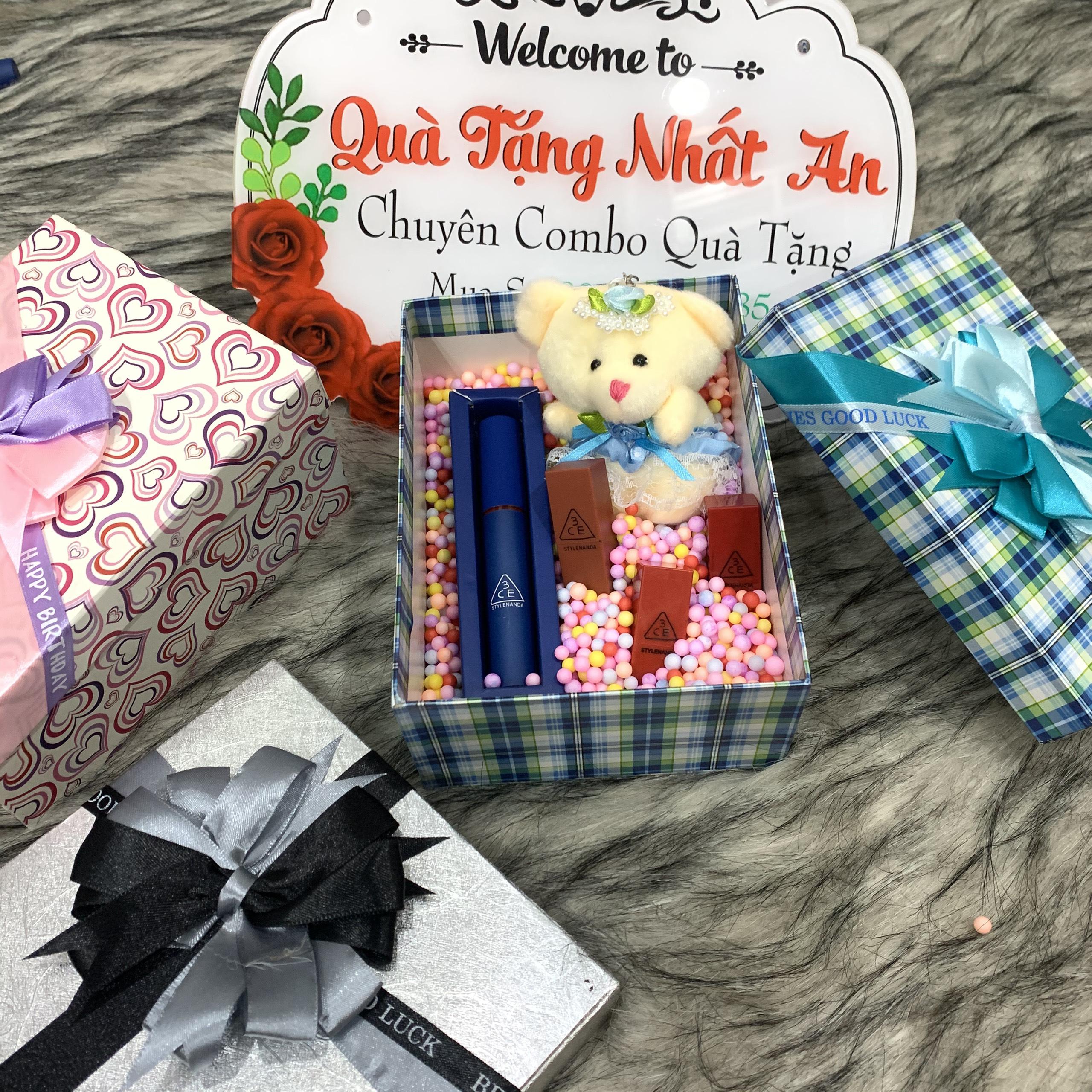 Hình ảnh [Tặng kèm gấu bông] Combo quà tặng cho bạn gái, hộp quà có nơ rất đẹp. 1 thỏi xanh +2 thỏi son mini ngày sinh nhật 14.2, 8/3, 20.10. Quà tặng Nhất An