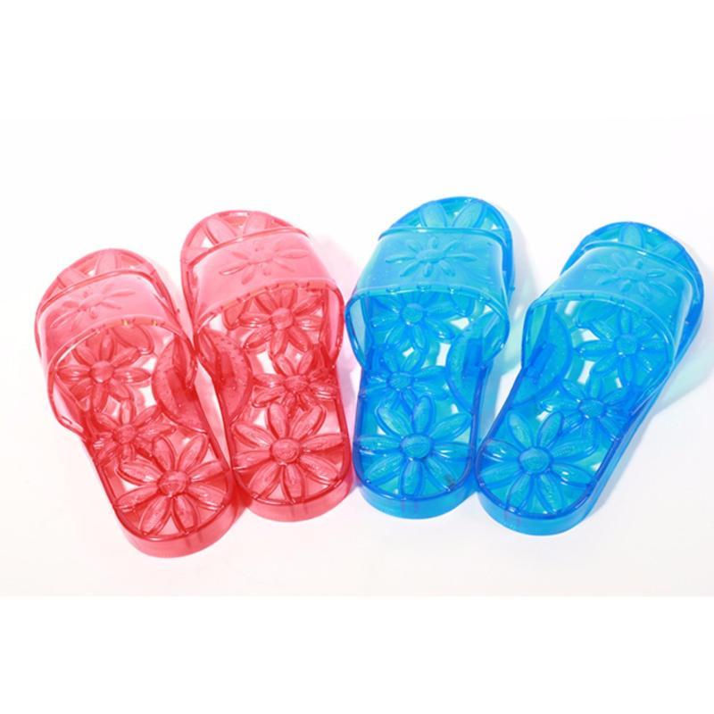 Combo 02 đôi Dép đi trong nhà tắm hình hoa nổi chống trượt.