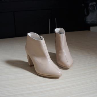 Giày bốt thời trang nữ UNI 0723 (Kem)