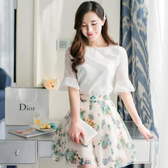 Set áo sơ mi chân váy nữ họa tiết hoa nữ tính Urban Horizon FM0082 (Trắng - Xanh)
