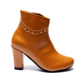 Giày bốt gót vuông viền đinh Mozy MZB29.1 (Nâu)