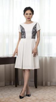 Đầm tuytsi kẻ xếp li phối ren sườn Bella Moda