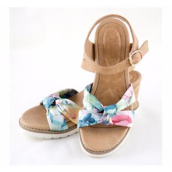 [The bany] Sandal đế xuồng 7,5cm quai đan chéo họa tiết hoa nổi bật trẻ trung
