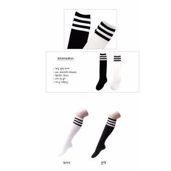 Vớ thời trang nhập khẩu Hàn Quốc hiệu Aglaia màu đen/trắng