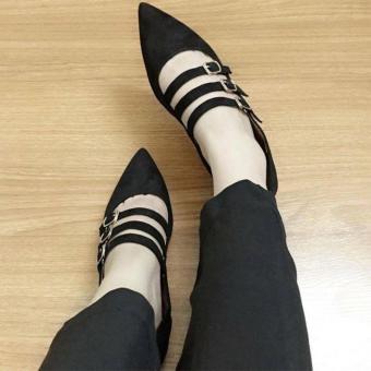 Giày cao gót trang trí khóa nổi bật
