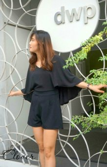 Jumpsuit ngắn Xavia Clothes Clover (đen)