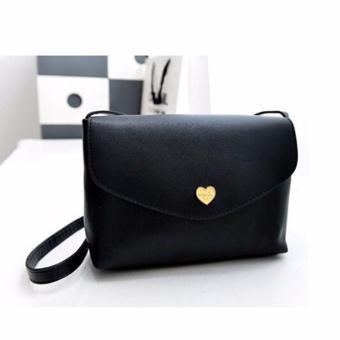 Túi nữ đeo chéo nắp cài trái tim thời trang (đen)
