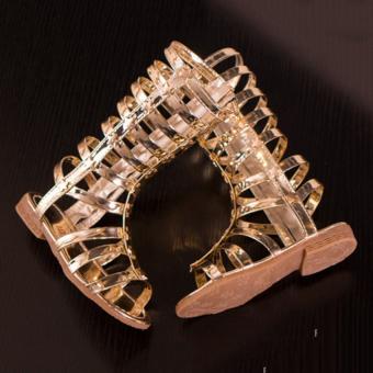 Giày bé gái chiến binh sao vàng SC026 (Vàng)