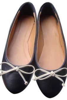 Giày đế bệt nơ dây Dolly&Polly DL112 (Đen)