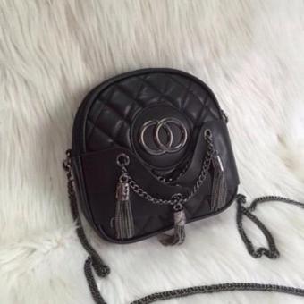 Túi đeo chéo quả bầu 3 râu sành điệu (Màu đen)