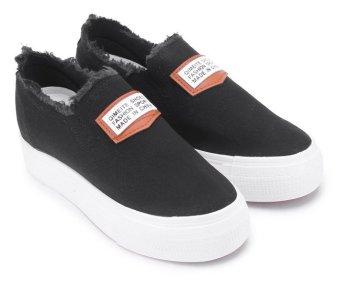 Giày lười thể thao nữ AZ79 WNTT0135001A2 (Đen)