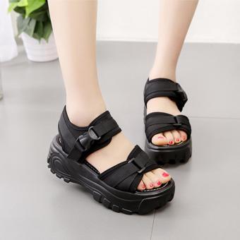 Giày sandal quai dù phong cách Hàn Quốc