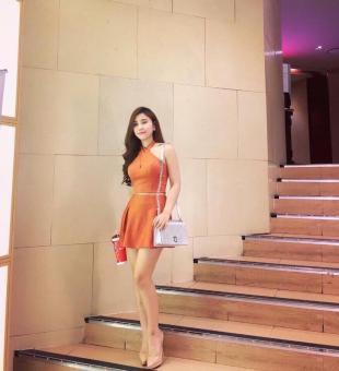 Set áo cổ yếm và chân váy xòe màu cam sang trọng | Set đồ đẹp - Jumpsuit
