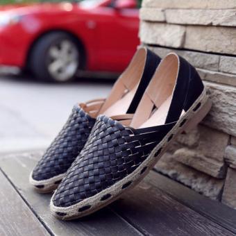 Giày slip on nữ màu đen dây đan GP18A