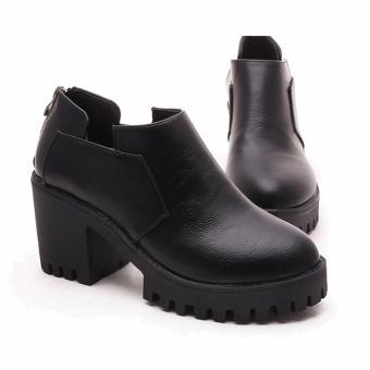 Giày Boot Nữ Cổ Thấp Đế Răng Cưa Bt239d (Đen)
