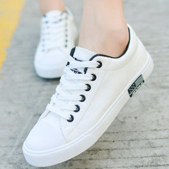 Giày thể thao đế thấp màu trắng TT134