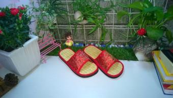 Bộ 2 đôi dép chiếu đi trong nhà Gugo DC27 (Đỏ)