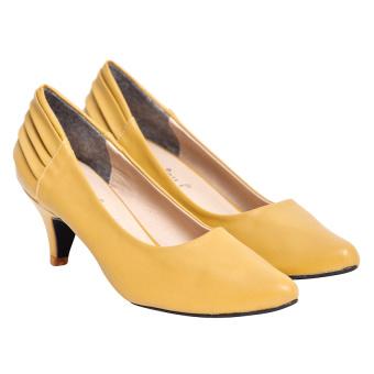 Giày cao gót nữ bít mũi Sarisiu GV17 (Vàng)