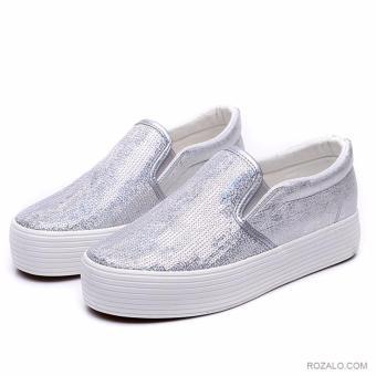 Giày lười Slip On nữ đế cao Rozalo RWG4671S-Bạc