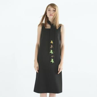 Đầm Unicorn Embroidery Black Midi-W16H2009