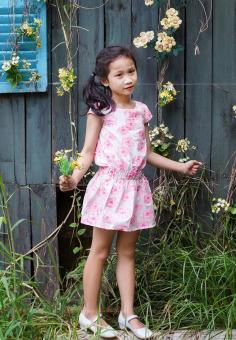 Đầm Dệt Hoa Hồng Genii Kids (Trắng hồng)